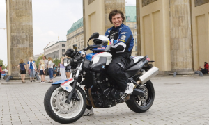 Chris Pfeiffer en moto BMW